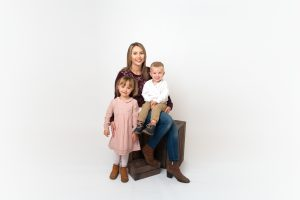 mum posing with children in Huntingdon family photography session